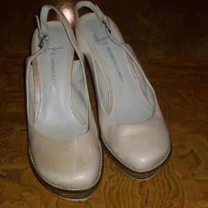 Donald J. Pliner Shoes - Lisa for Donald Pliner Ickett Beige Leather Heels